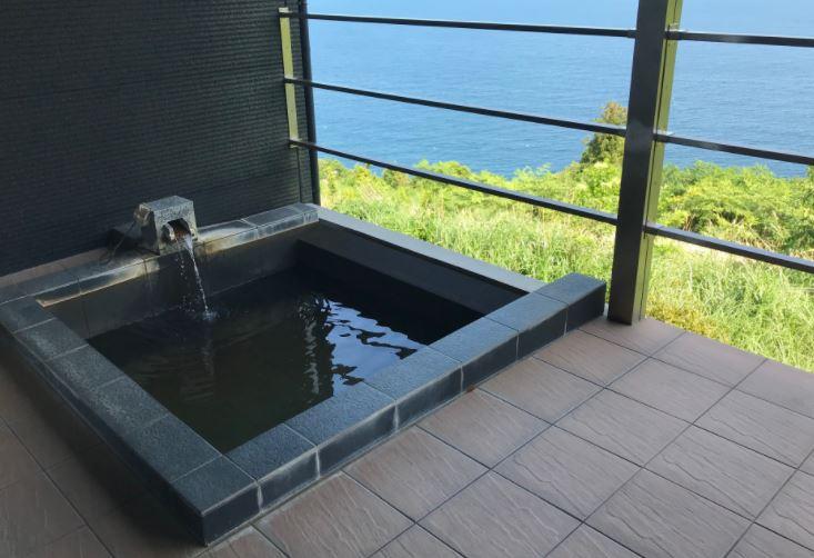 風月無辺客室露天風呂