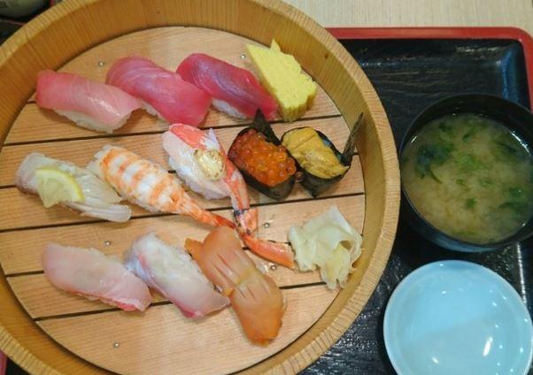 成田空港お寿司