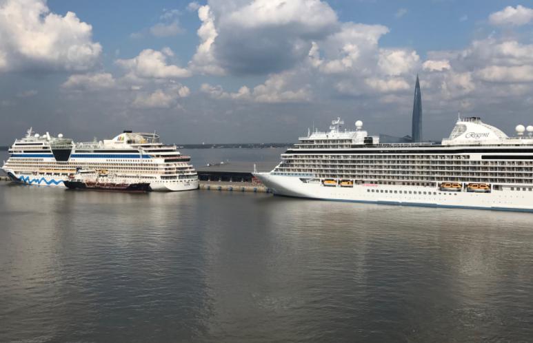 サンクトペテルブルクの港