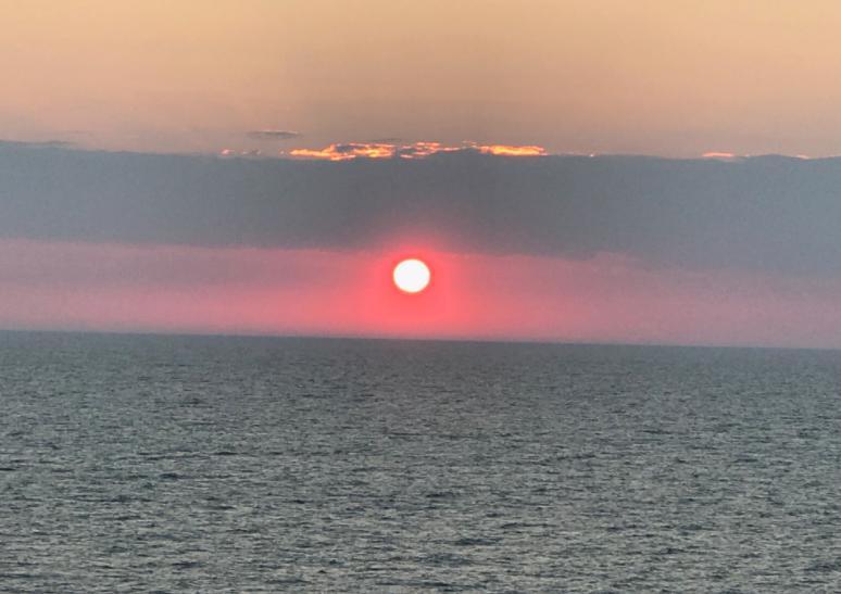 航海日の景色