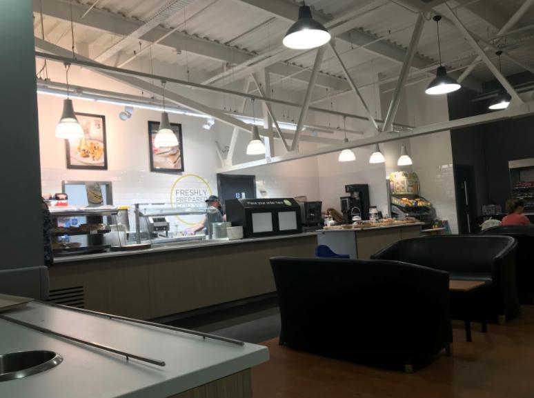 ポートランドのスーパーASDAのカフェ