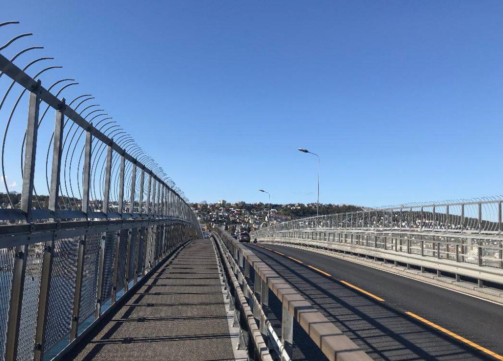 ノルウェーのトロムソ大橋からの景色