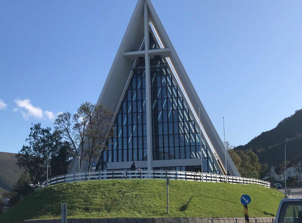 トロムソ北極教会の画像