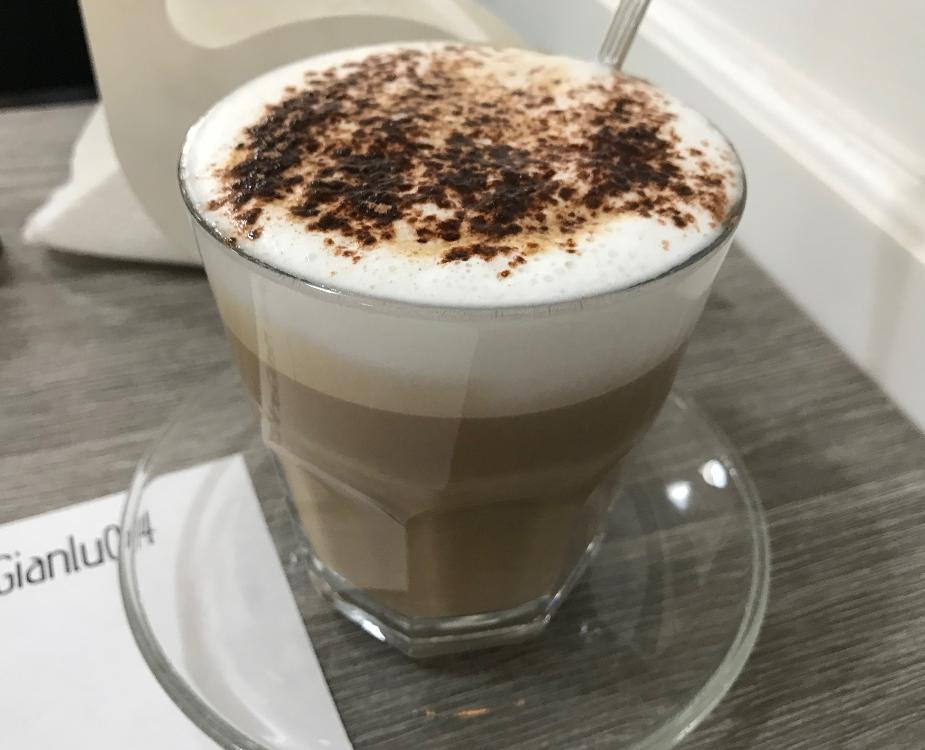 イタリア・ポルトベネーレのカフェ