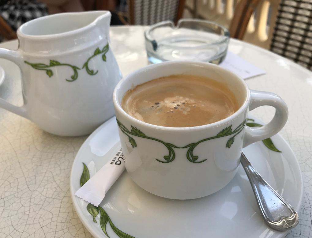 モナコのモンテカルロ、カジノ横のセレブカフェ
