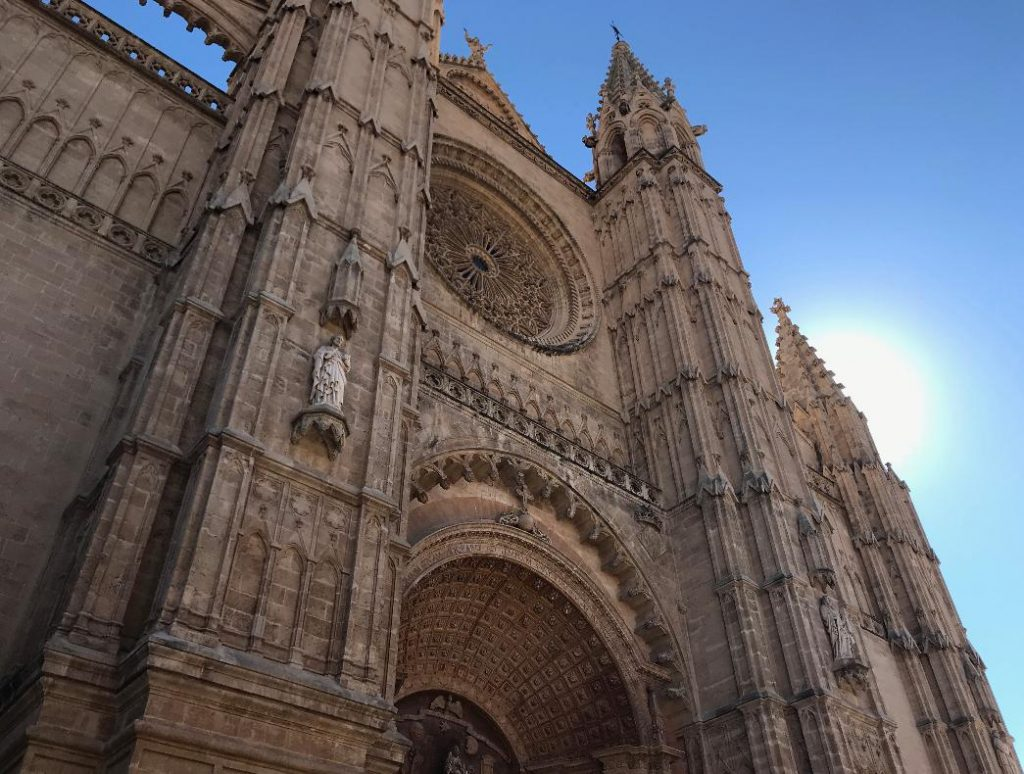 スペインマヨルカ島のパルマ大聖堂