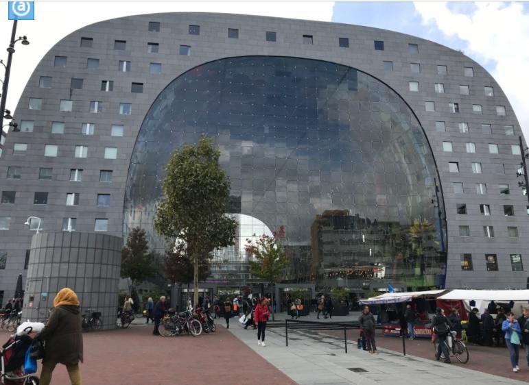 ロッテルダムのマーケットホール(マルクトハル)