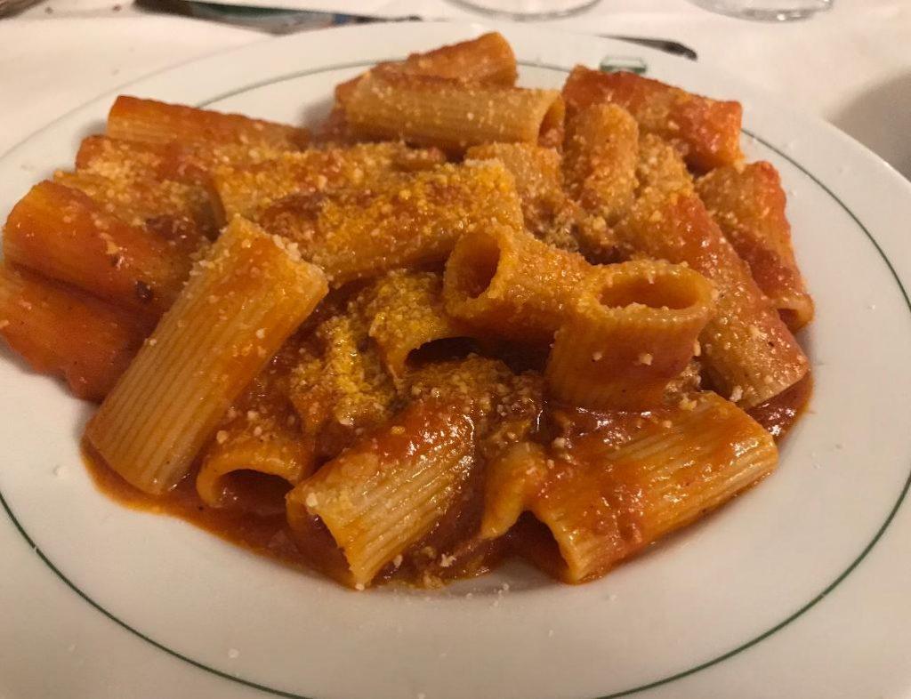ローマのレストランlacampana