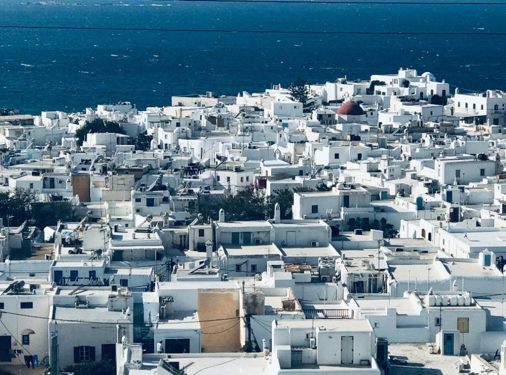 ミコノス島の高台からの景色