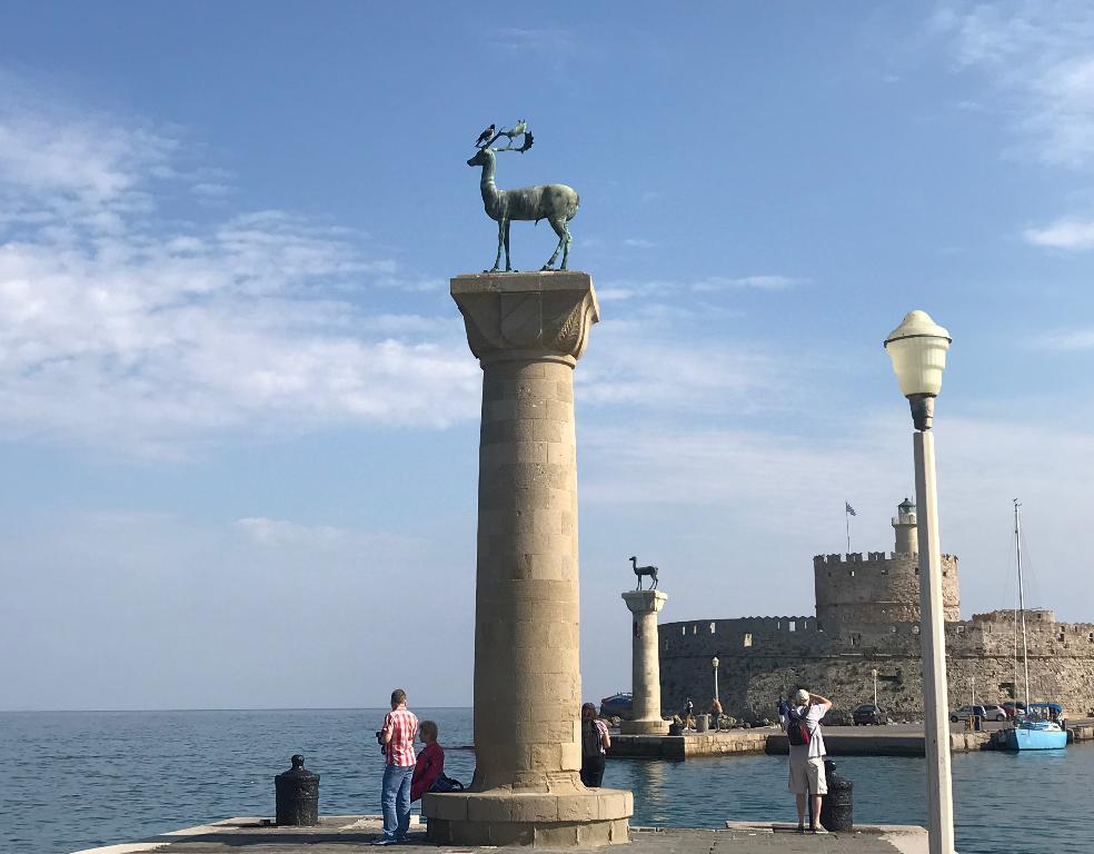 ロドス島巨人の像