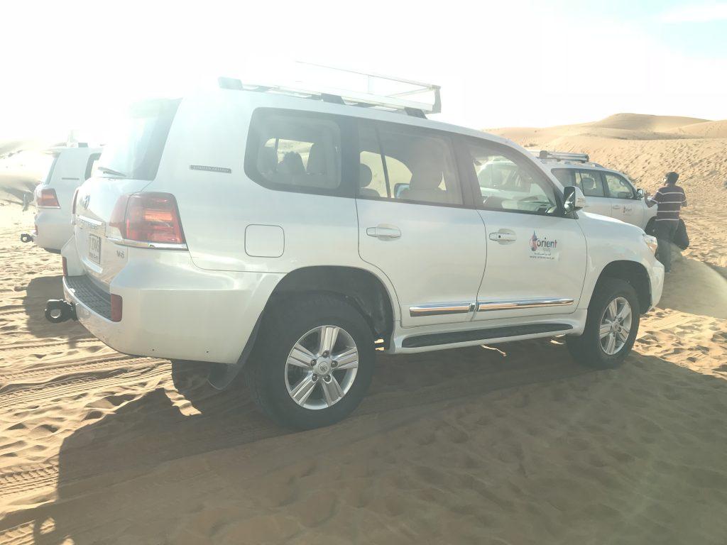 ドバイ砂漠ツアーの4WD