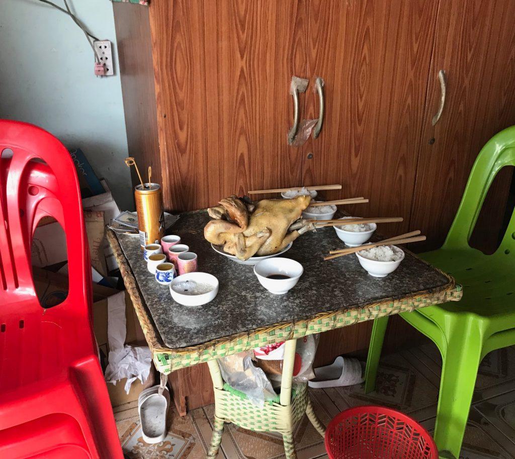 カンボジアの食卓風景
