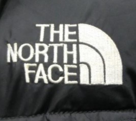 ベトナムのノースフェイスのロゴ