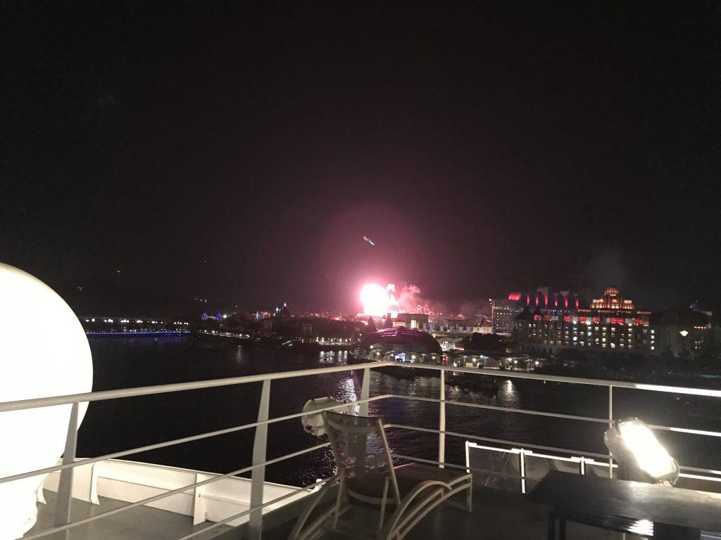 シンガポールクルーズセンターから見える花火