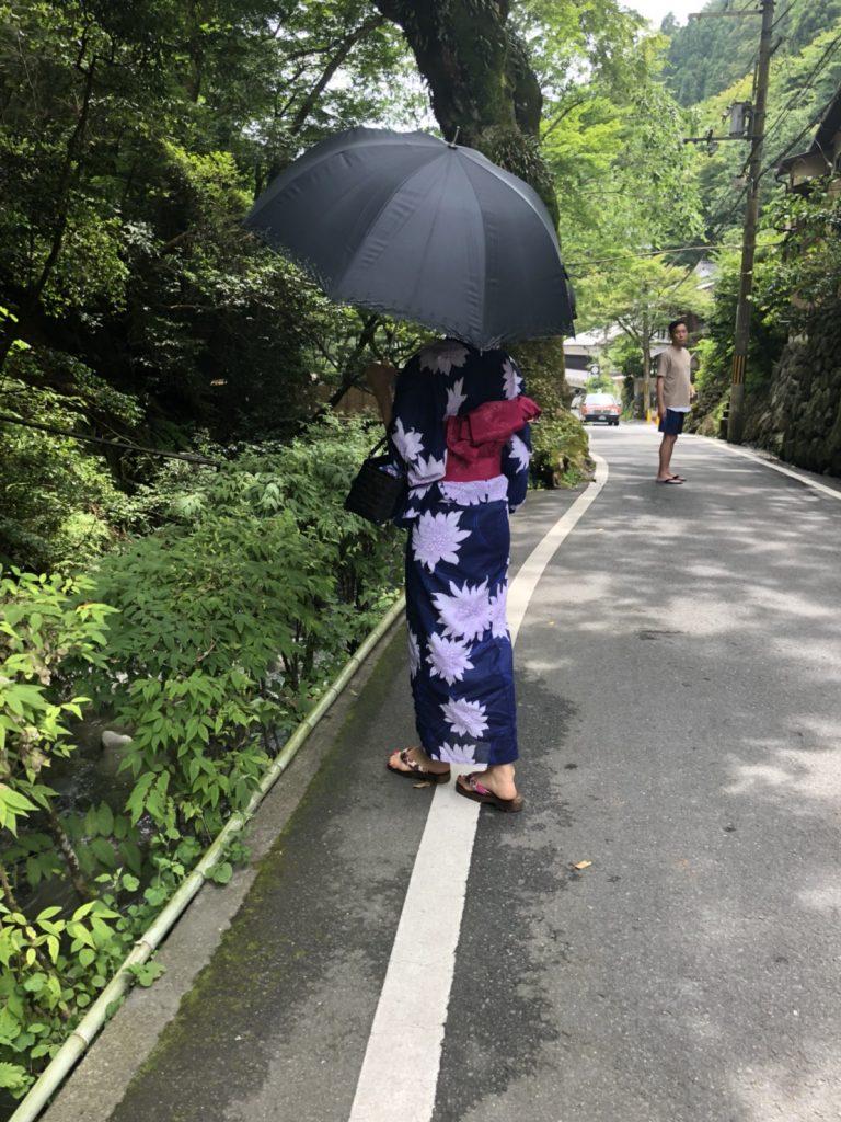 和服の日本人女性