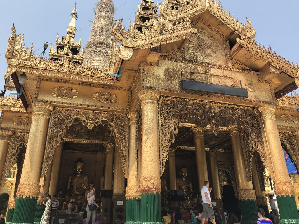 ミャンマーヤンゴンにあるシュエダゴン・パゴダ