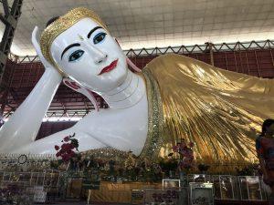 ミャンマーヤンゴンの寝釈迦仏