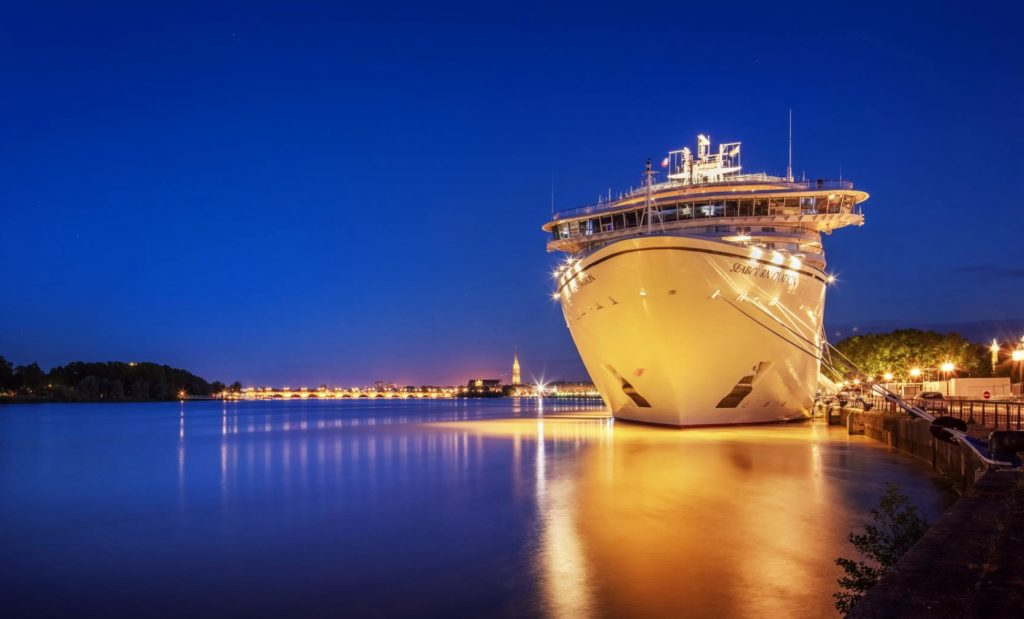 豪華客船でヨーロッパを周遊する