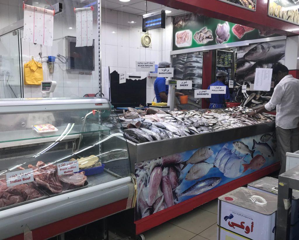 ドバイにあるローカルのスーパー