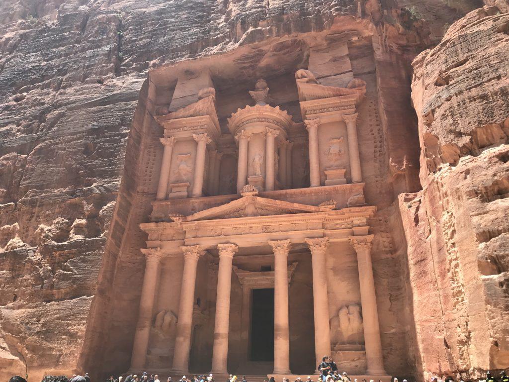 ヨルダンのペトラ遺跡内のエル・ハズネ
