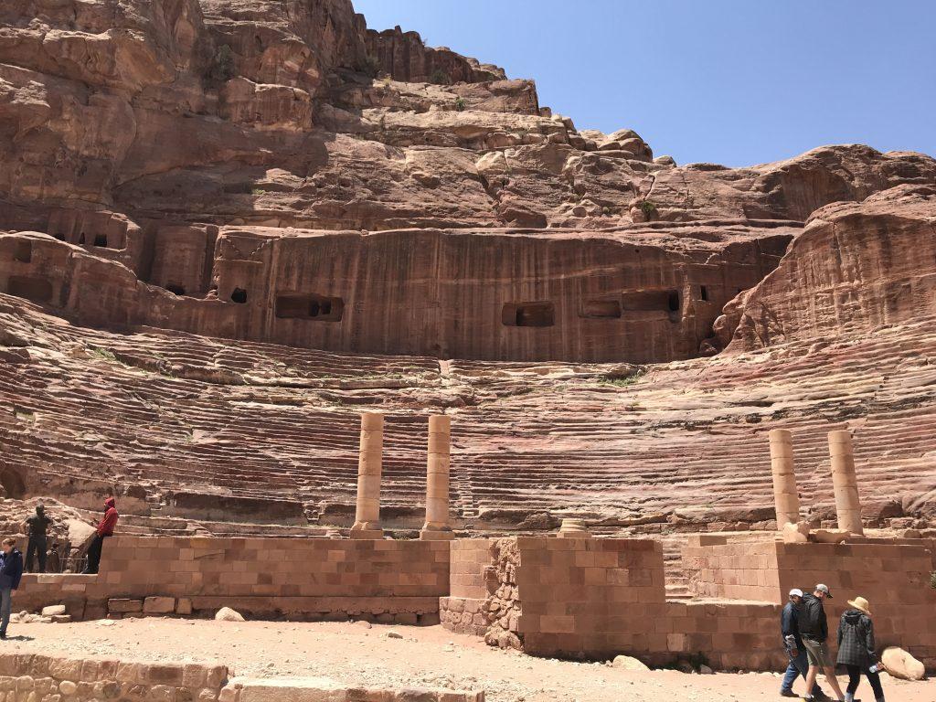 ヨルダンのペトラ遺跡内のローマ劇場