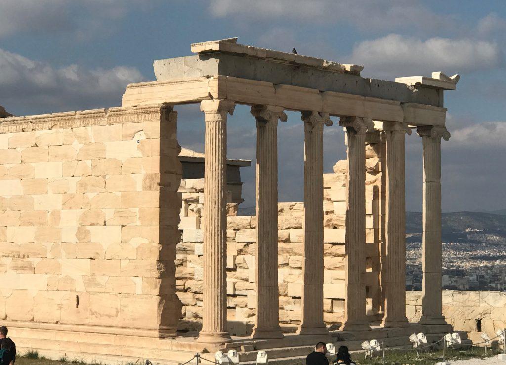 アテネのエレクティオン神殿