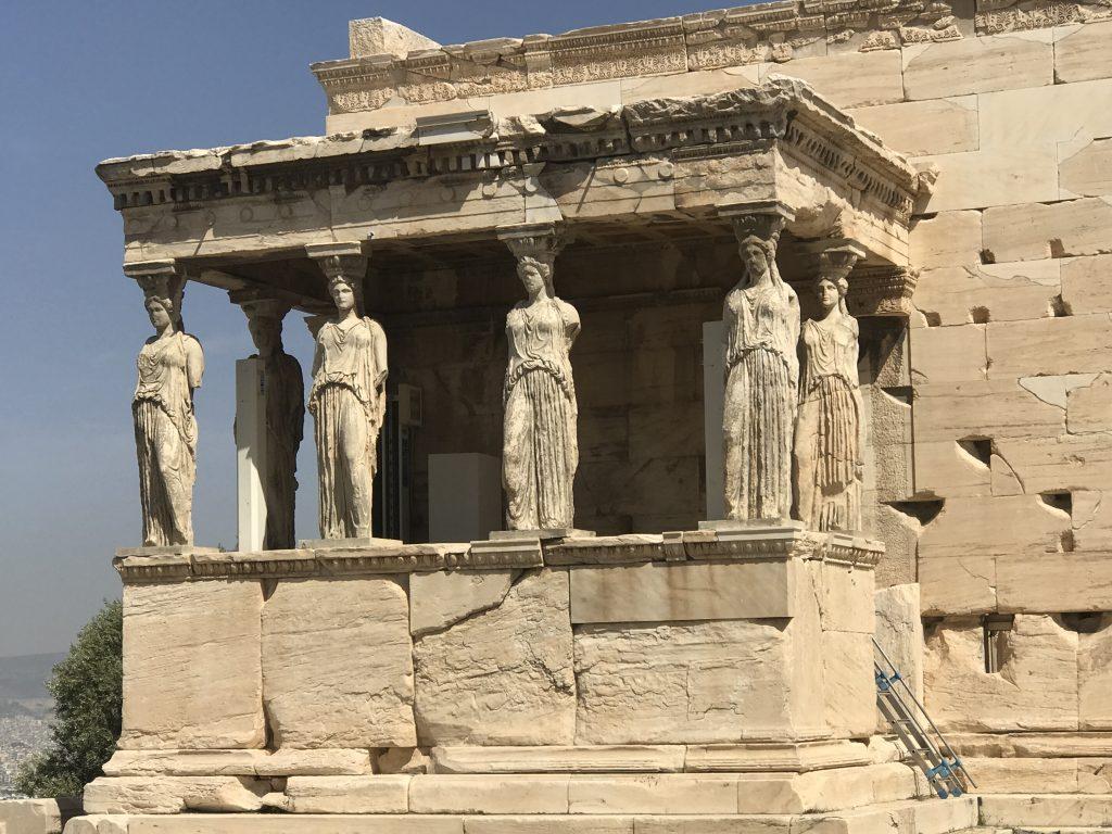 エレクティオン神殿のカリアティード