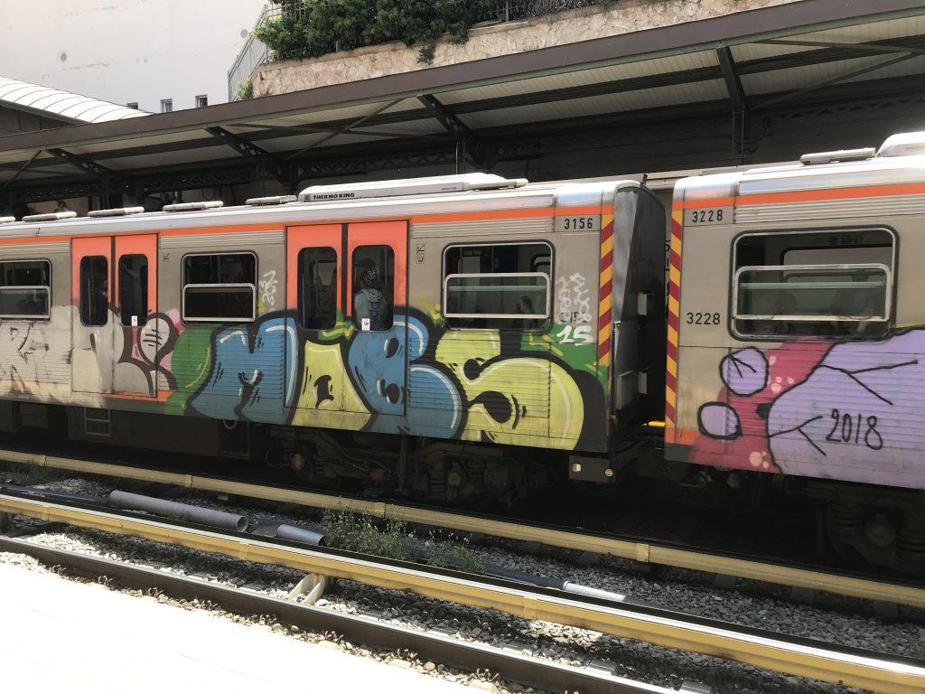 ギリシャのアテネ電車