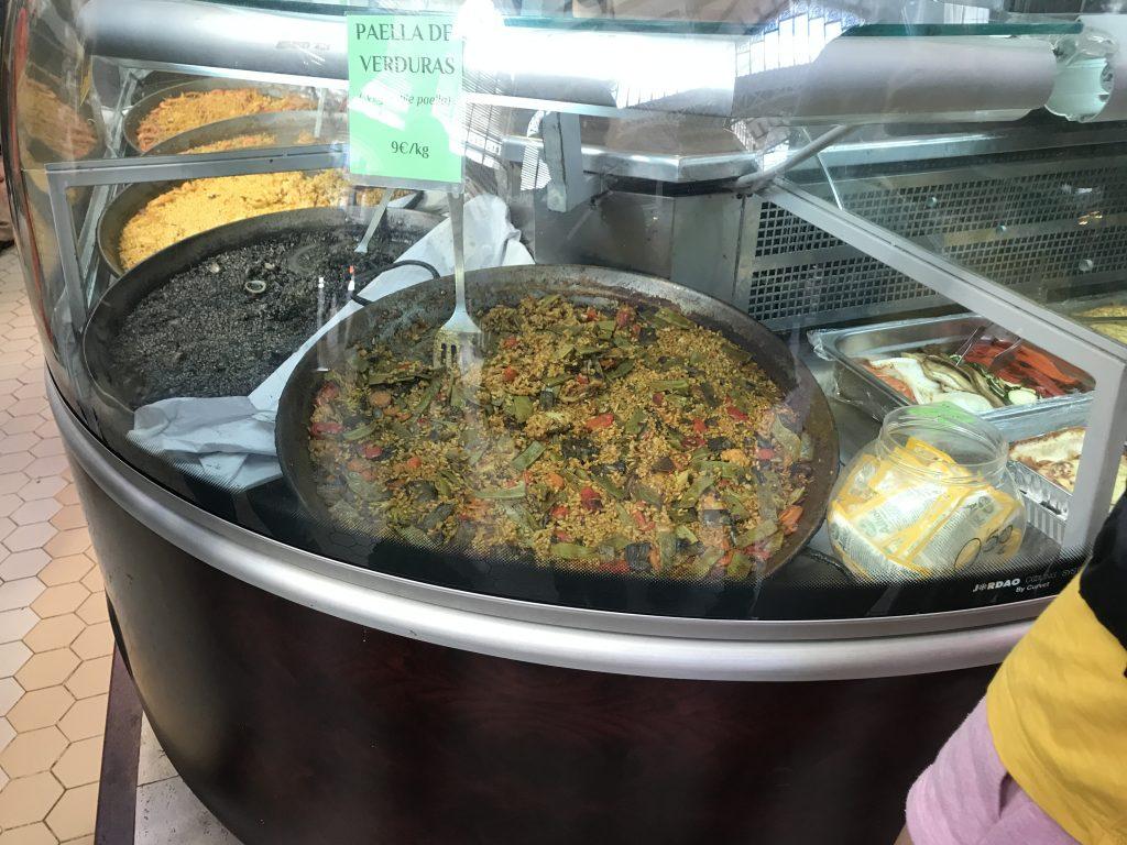 スペインバレンシア市場のパエリア