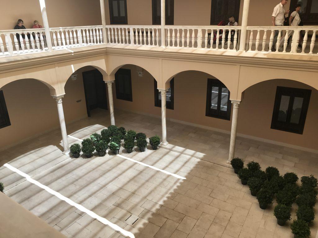 マラガのピカソ美術館の二階