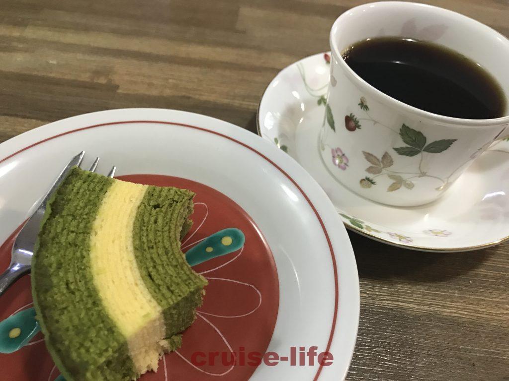 友人と一緒に飲むコーヒー