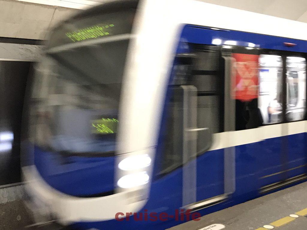 ロシアのピンボケした地下鉄