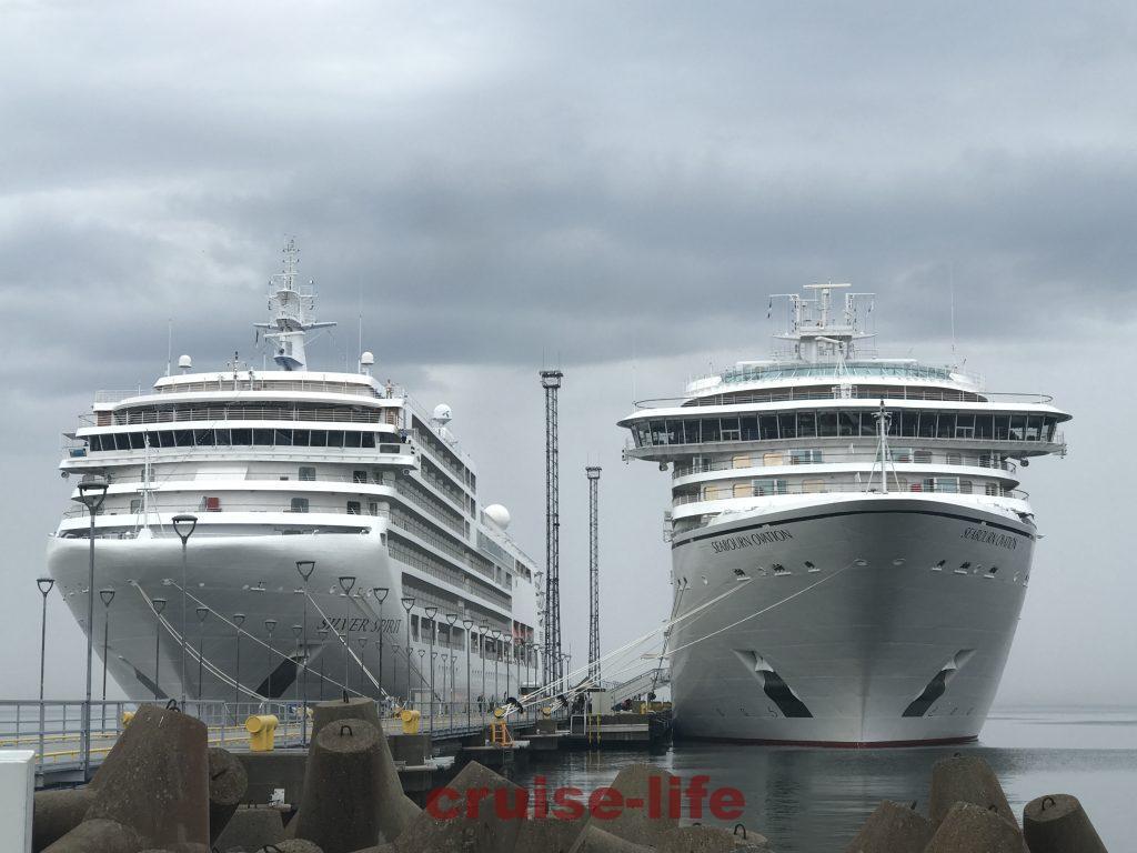 タリンの港に停泊する豪華客船たち