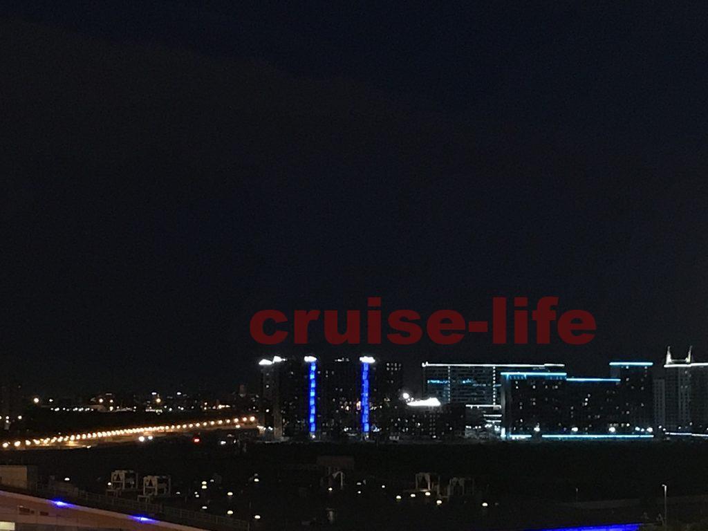 ロシアの港からの夜景