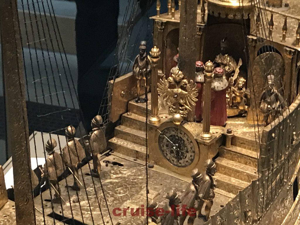 大英博物館のガリオン船時計