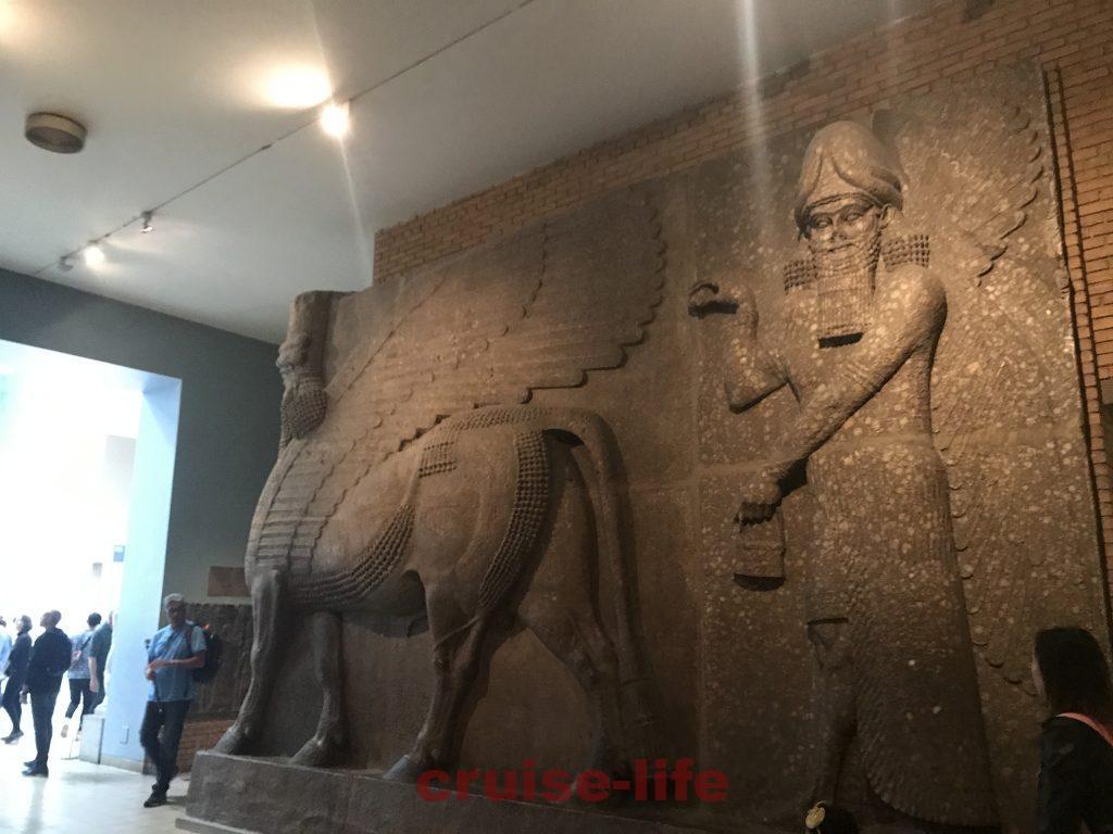 アッシリア王ライオン狩りレリーフ