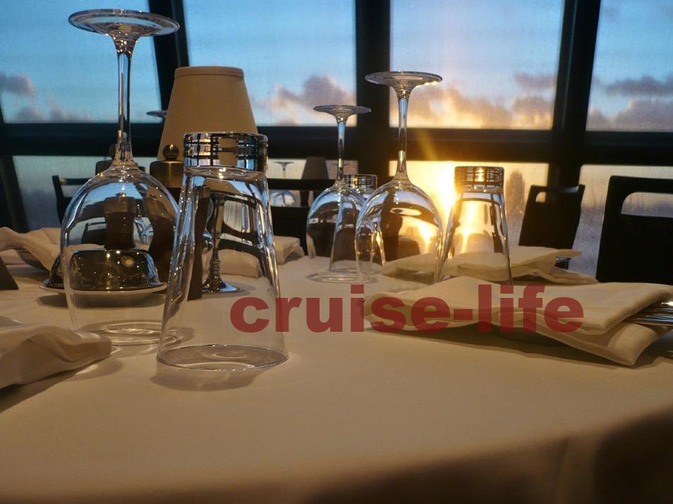 豪華客船のクルーズ旅行