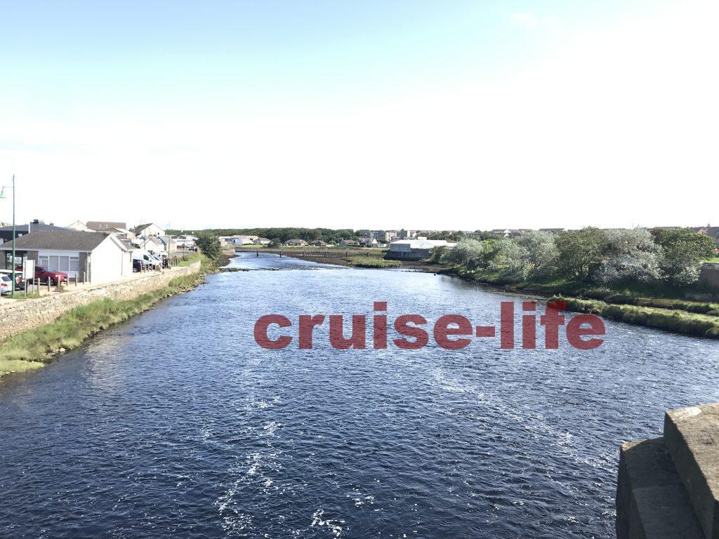 スコットランド最北端の街スクラブスターの川