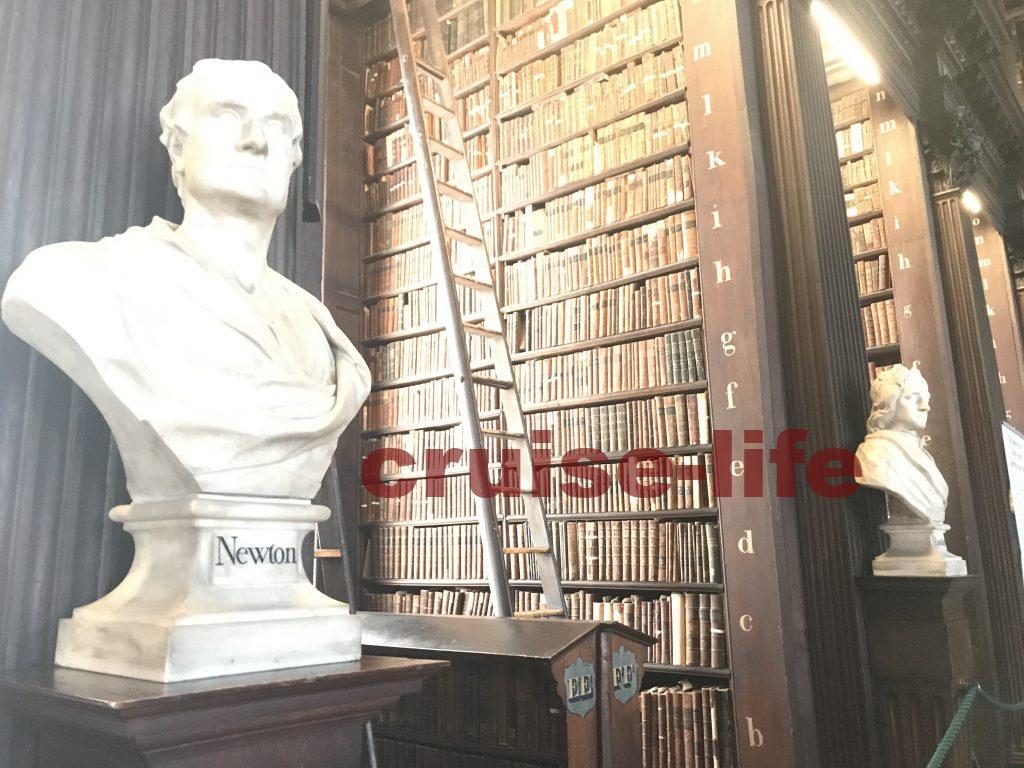 ダブリンのトリニティカレッジ図書館