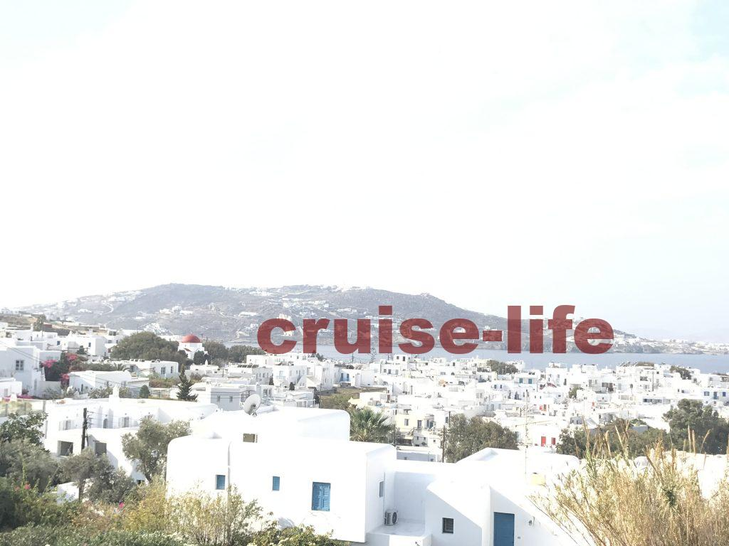 ミコノス島の高台から見た景観