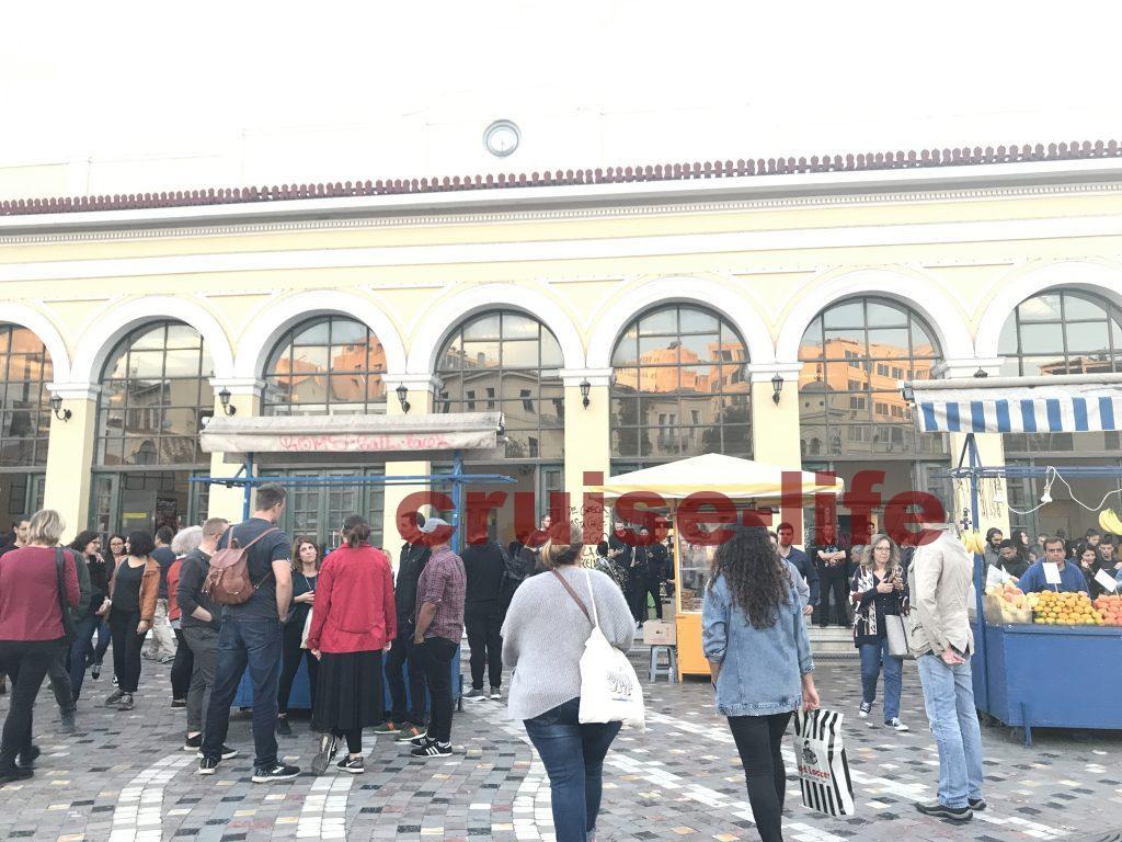 アテネのモナスティラキ駅周辺の様子